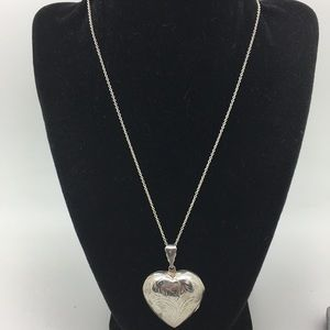 Jewelry - Vintage 925 Open Heart Necklace
